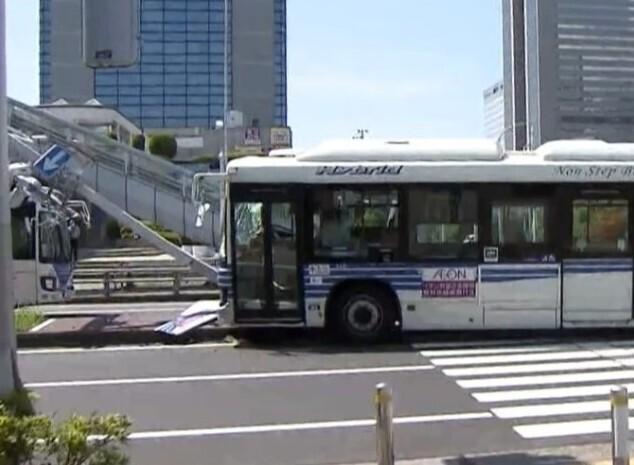 9人重軽傷のバス事故 運転手を起訴